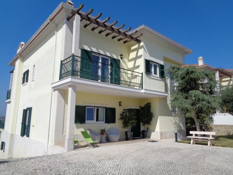 Image 1   4 bedroom villa for sale with 1,618m2 of land, Cadaval, Lisbon District, Costa de Prata Silver Coast 196235