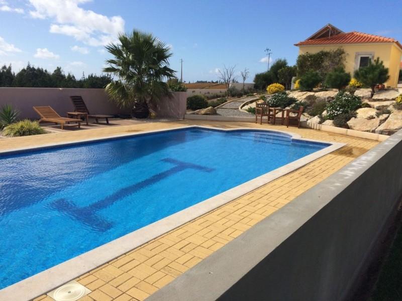 Image 1 | 4 bedroom villa for sale with 1,691m2 of land, Lourinha, Lisbon District, Costa de Prata Silver Coast 196236