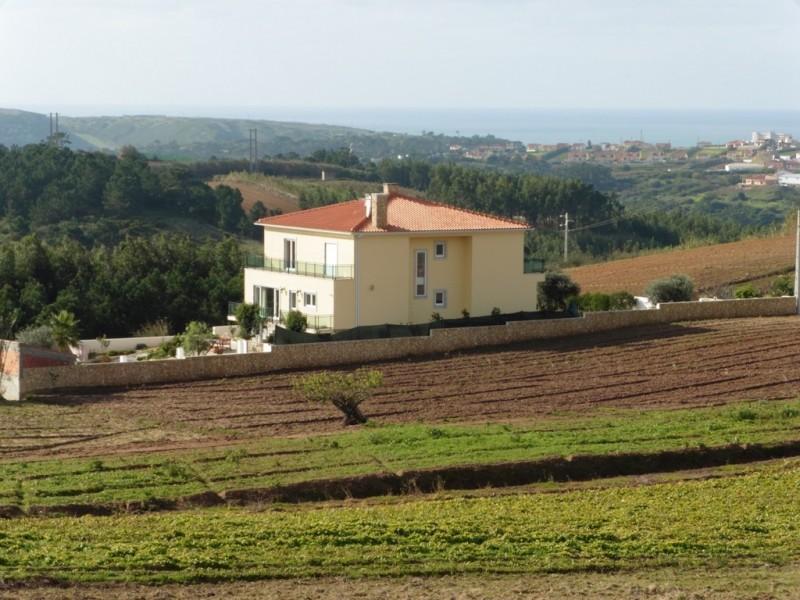 Image 14 | 4 bedroom villa for sale with 1,691m2 of land, Lourinha, Lisbon District, Costa de Prata Silver Coast 196236
