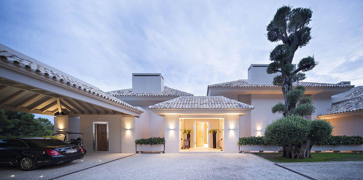 Image 2   6 bedroom villa for sale with 0.4 hectares of land, La Zagaleta Golf, Benahavis, Malaga Costa del Sol, Andalucia 196484