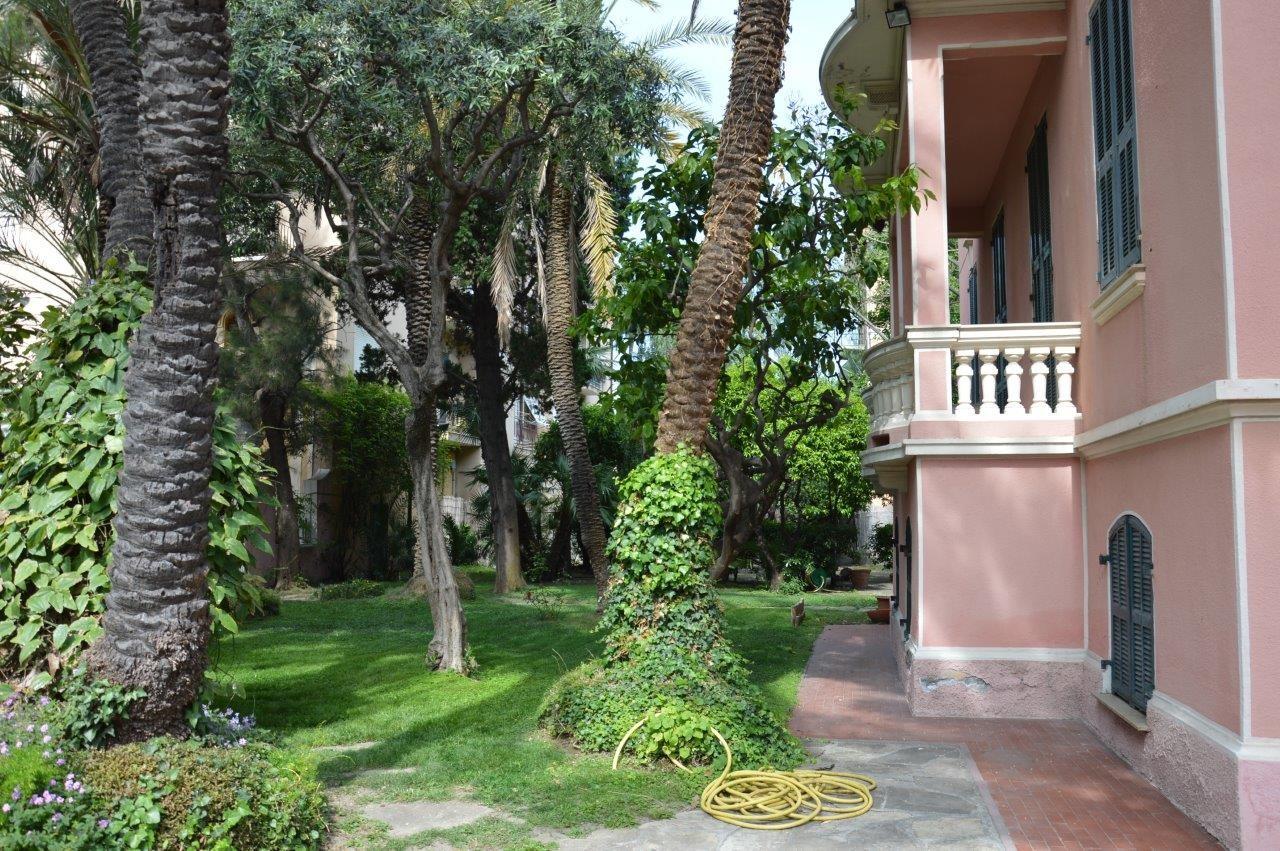 Image 3 | 5 bedroom villa for sale with 1,000m2 of land, Bordighera, Imperia, Liguria 196701