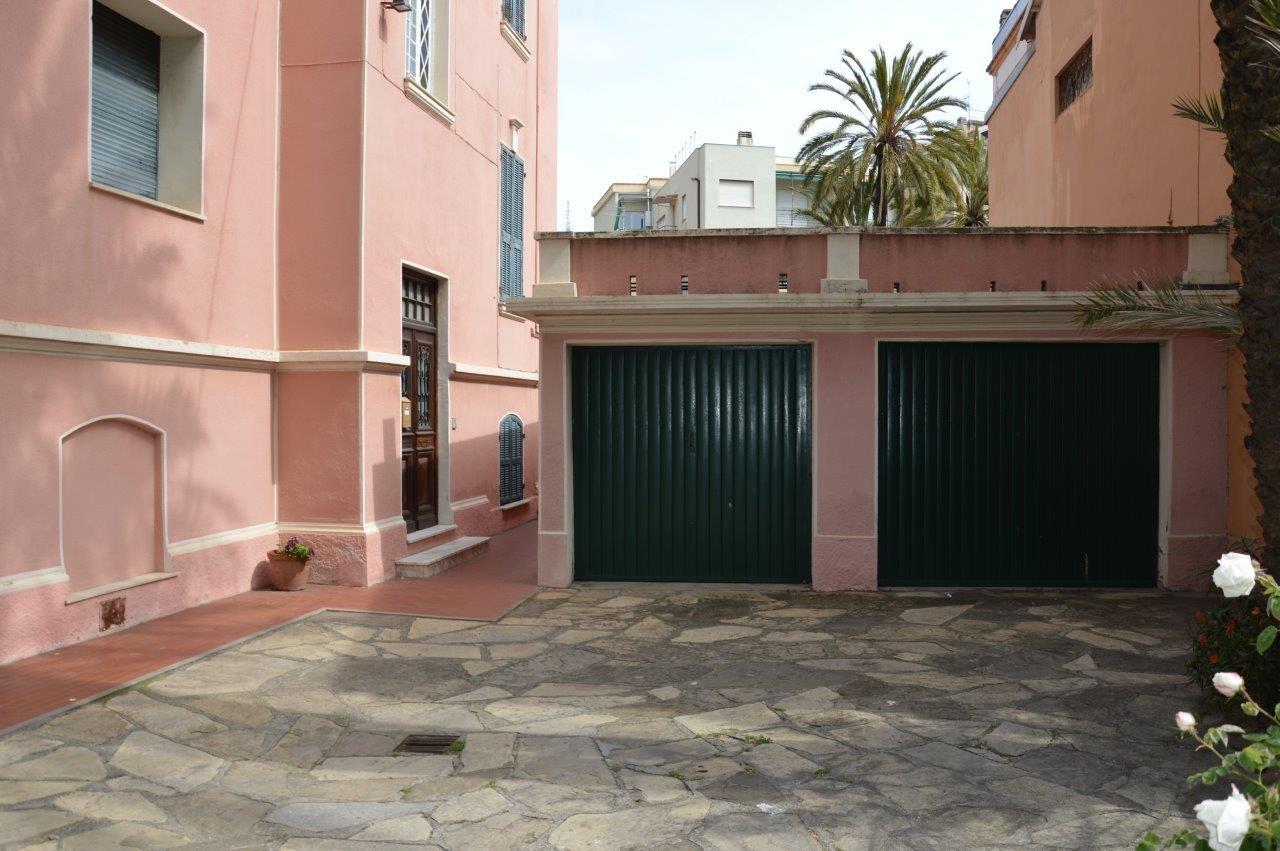 Image 8 | 5 bedroom villa for sale with 1,000m2 of land, Bordighera, Imperia, Liguria 196701