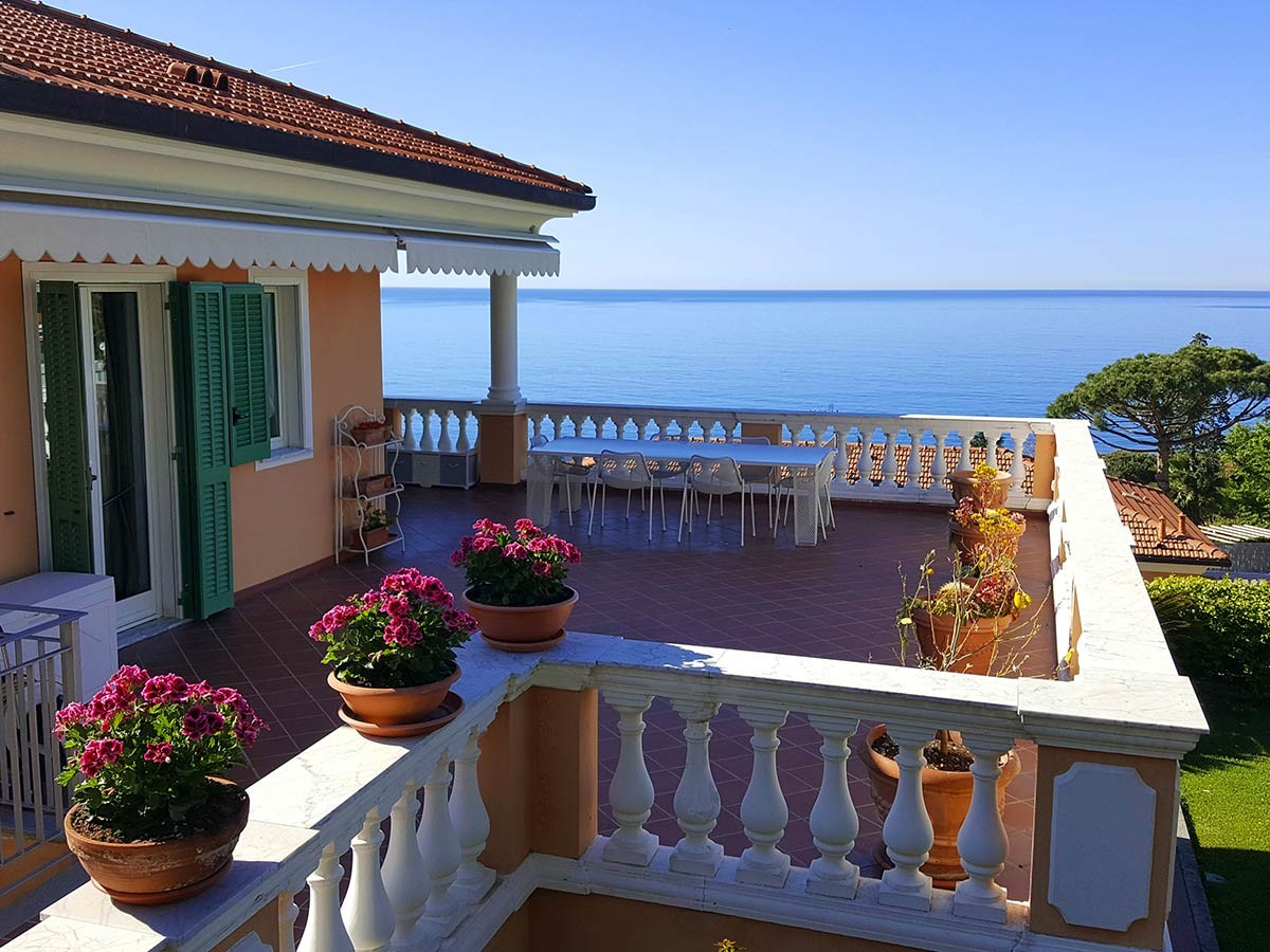 Image 1 | 2 bedroom apartment for sale with 90m2 of land, Ospedaletti, Imperia, Liguria 196703