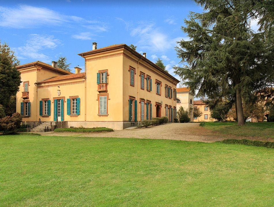 Image 2   15 bedroom castle for sale with 2 hectares of land, Novara, Piedmont 197403