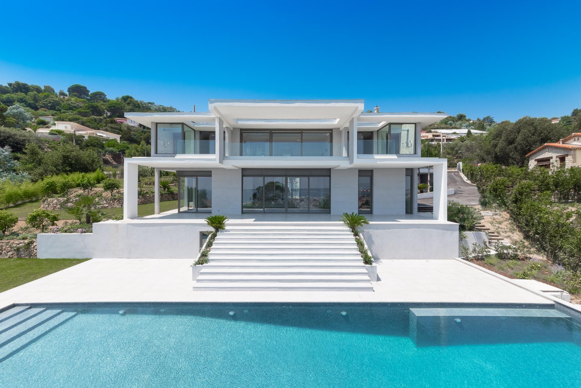 Image 1   7 bedroom house for sale with 0.45 hectares of land, Golfe Juan, Antibes Juan les Pins, French Riviera 197529