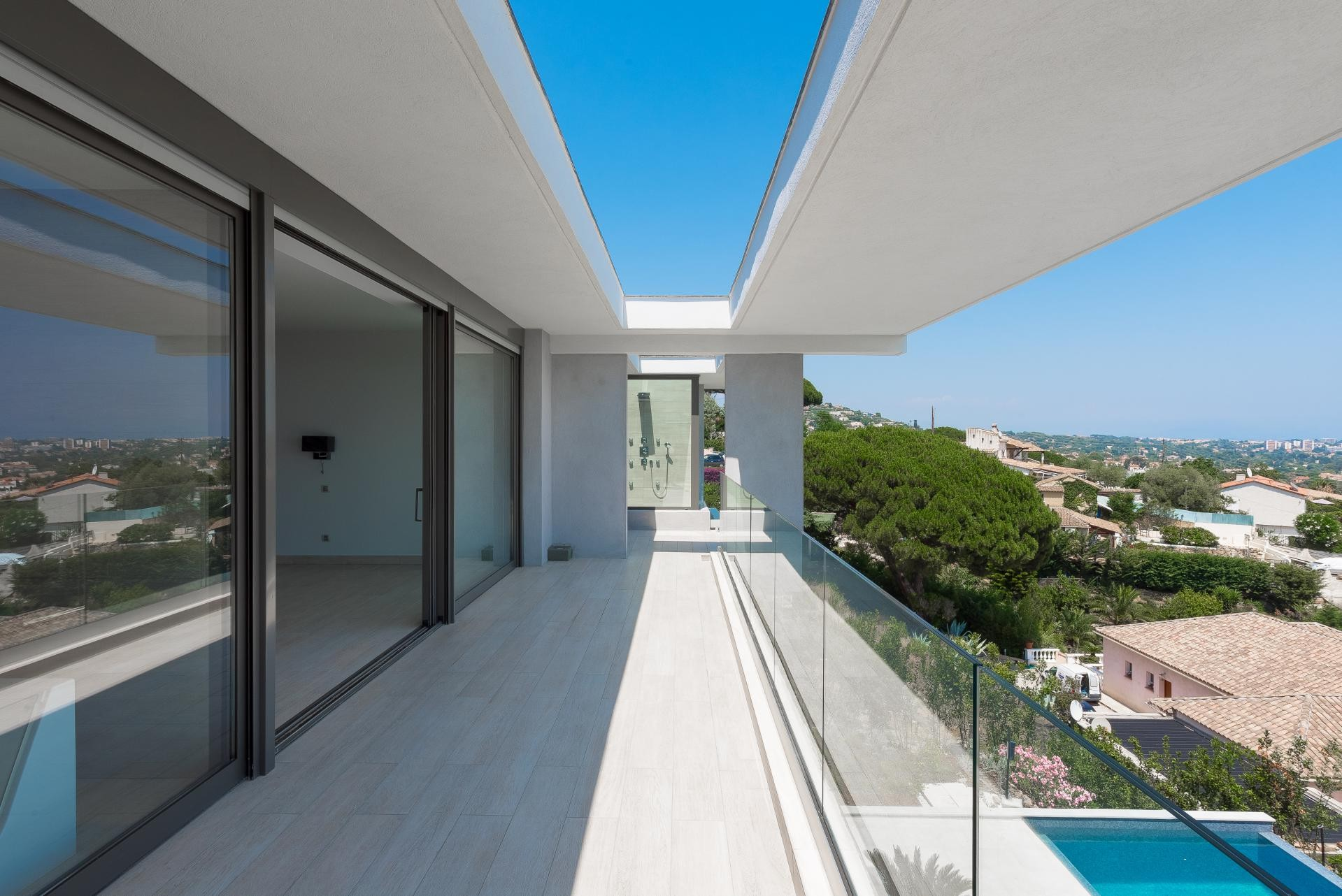Image 10   7 bedroom house for sale with 0.45 hectares of land, Golfe Juan, Antibes Juan les Pins, French Riviera 197529