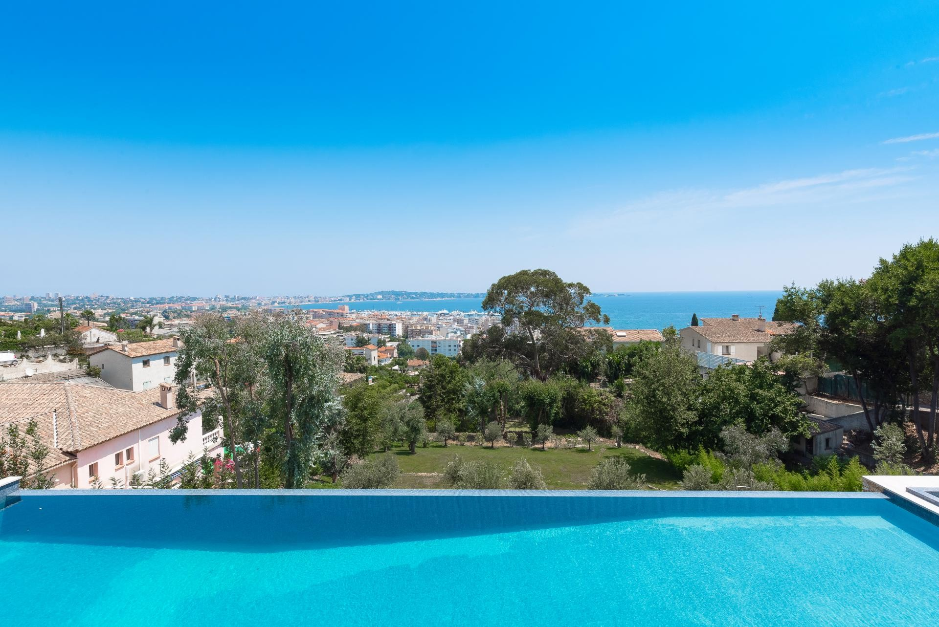 Image 11   7 bedroom house for sale with 0.45 hectares of land, Golfe Juan, Antibes Juan les Pins, French Riviera 197529