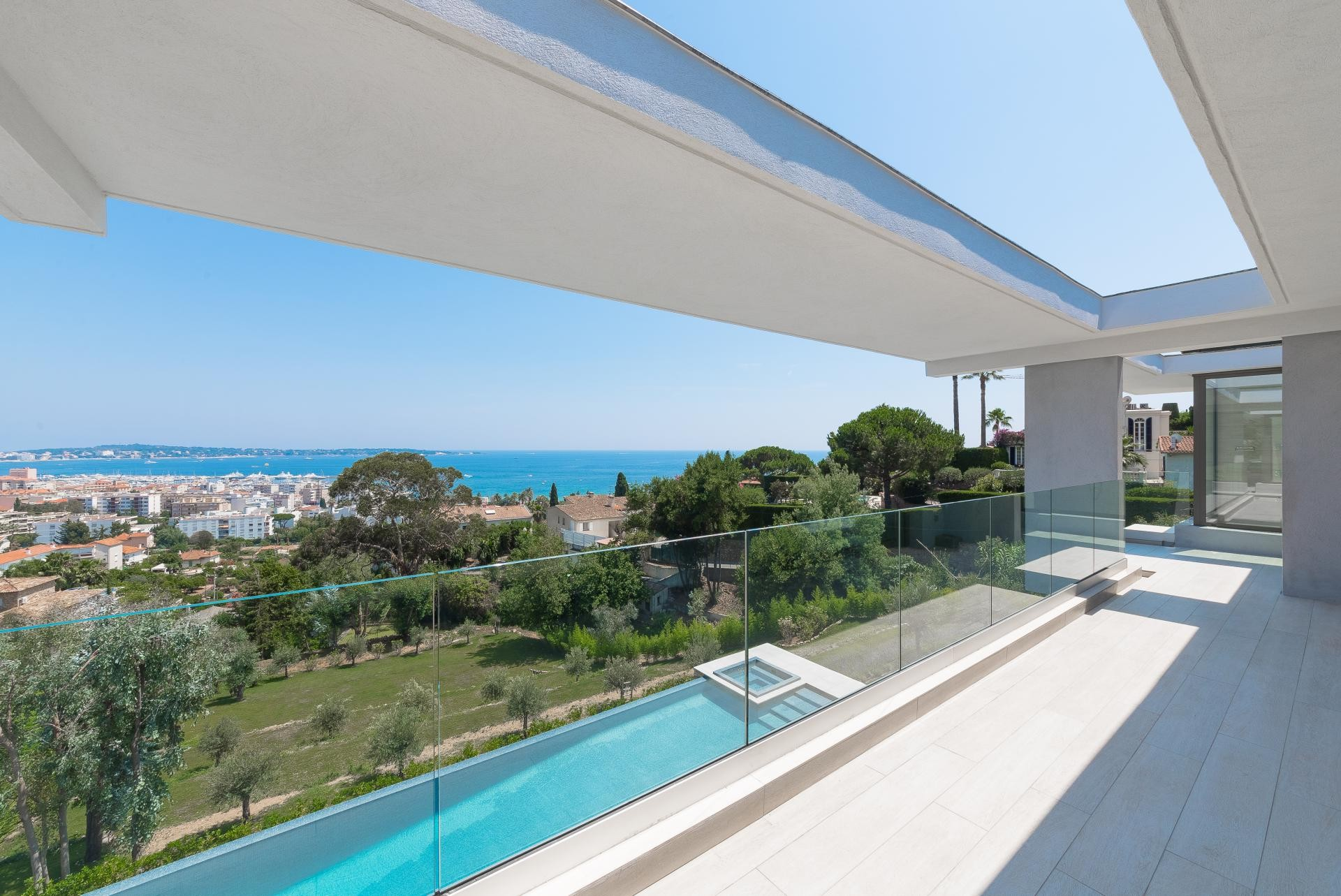 Image 13   7 bedroom house for sale with 0.45 hectares of land, Golfe Juan, Antibes Juan les Pins, French Riviera 197529