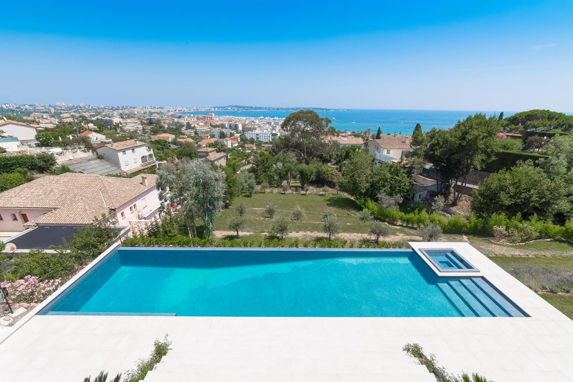Image 14   7 bedroom house for sale with 0.45 hectares of land, Golfe Juan, Antibes Juan les Pins, French Riviera 197529
