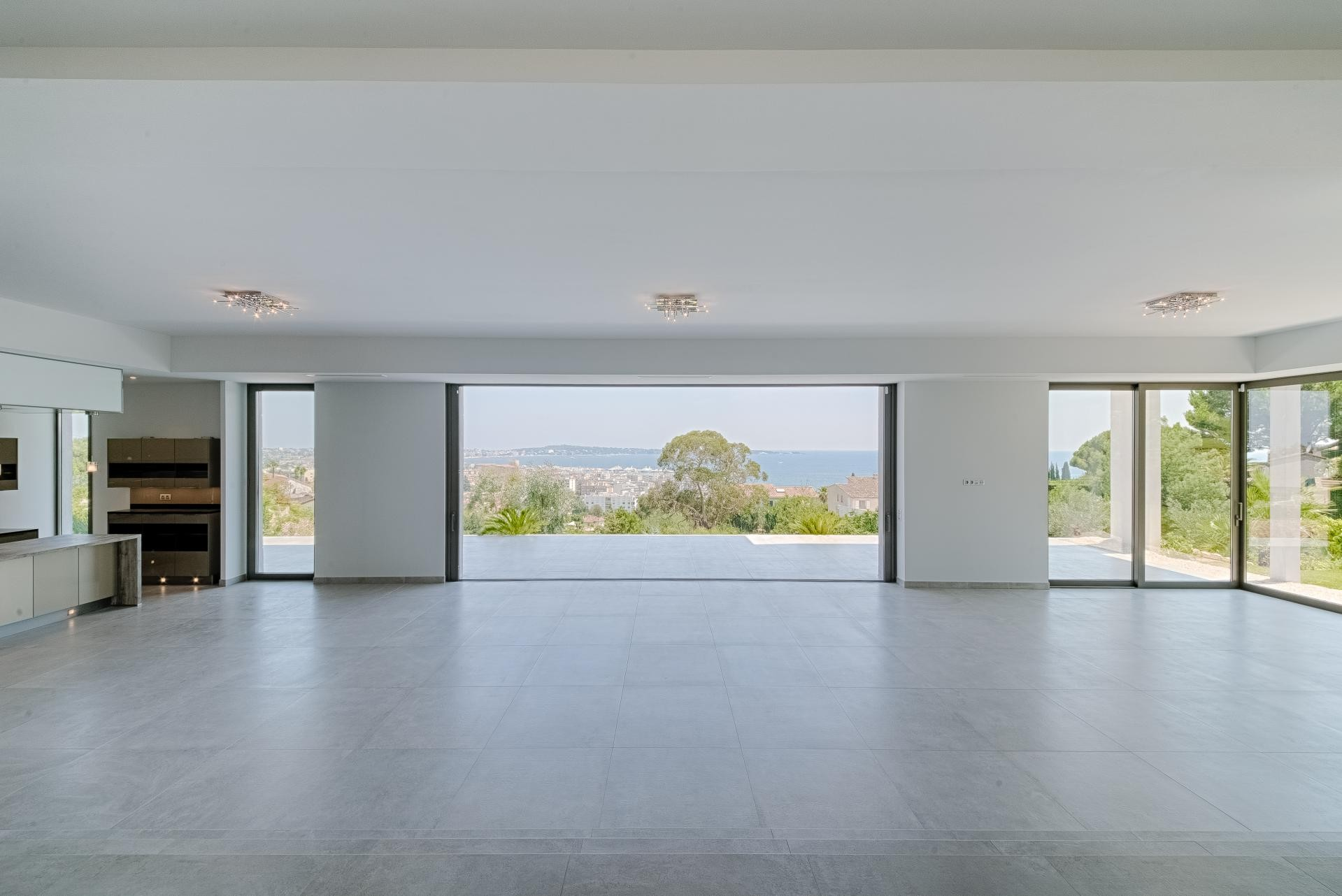 Image 18   7 bedroom house for sale with 0.45 hectares of land, Golfe Juan, Antibes Juan les Pins, French Riviera 197529