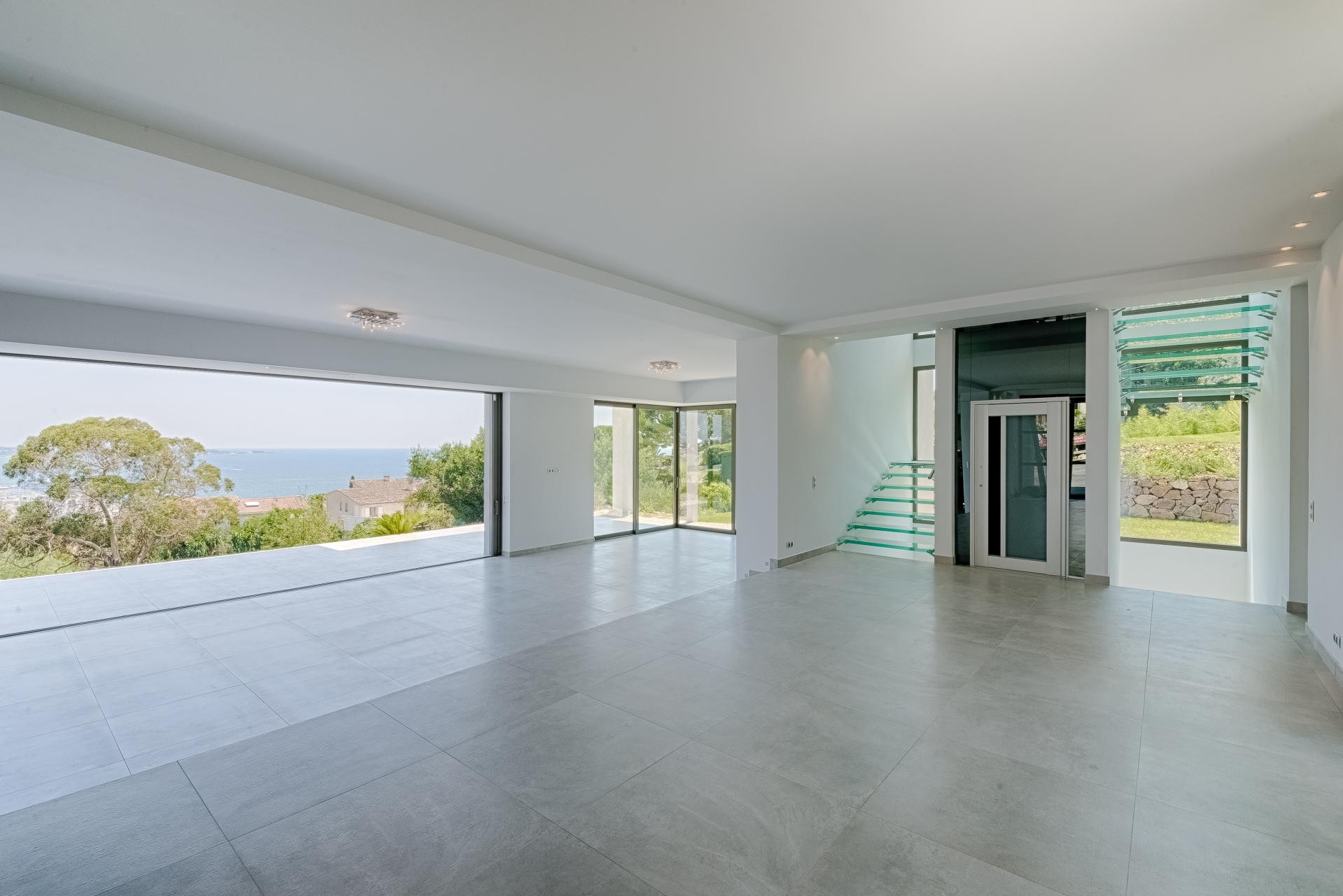 Image 19   7 bedroom house for sale with 0.45 hectares of land, Golfe Juan, Antibes Juan les Pins, French Riviera 197529