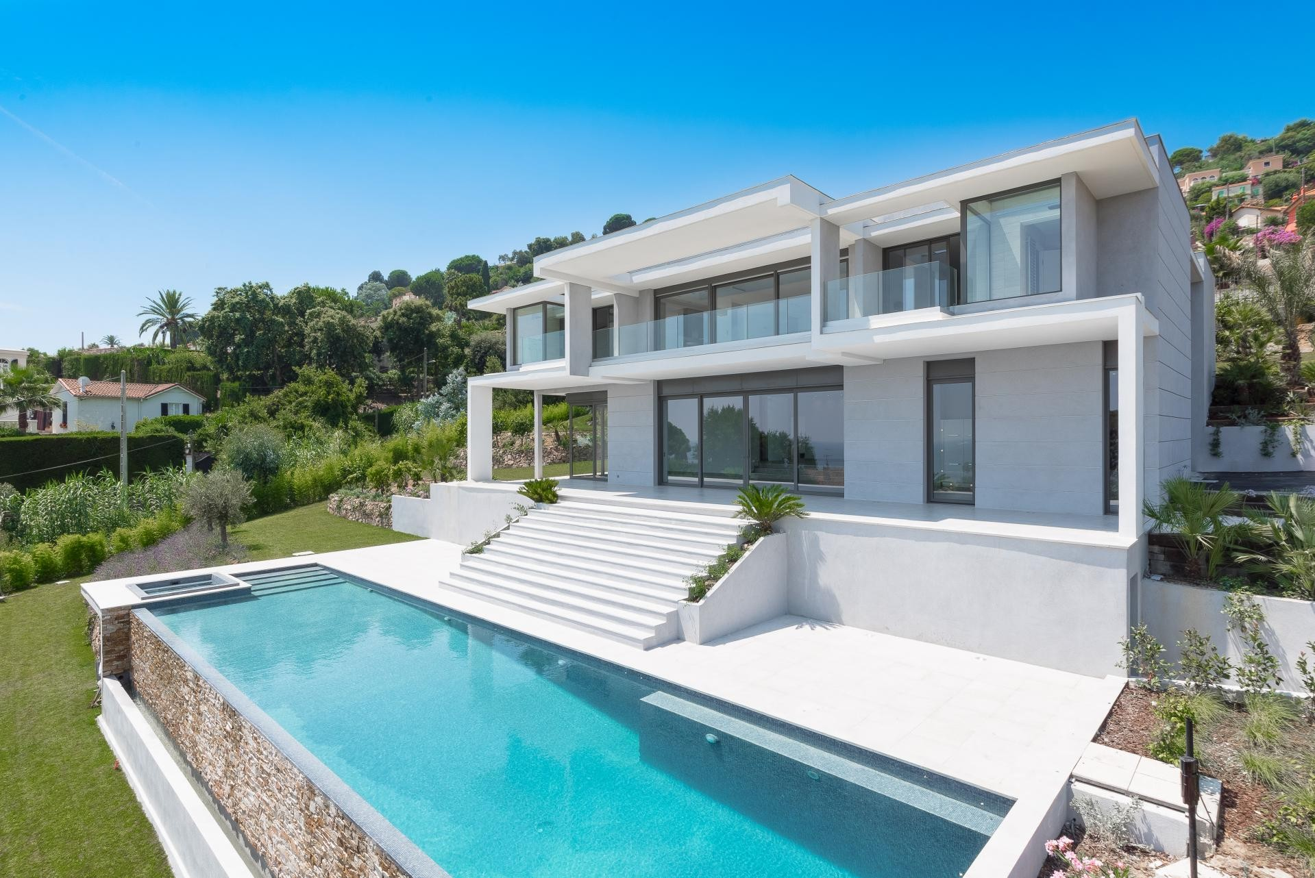 Image 2   7 bedroom house for sale with 0.45 hectares of land, Golfe Juan, Antibes Juan les Pins, French Riviera 197529