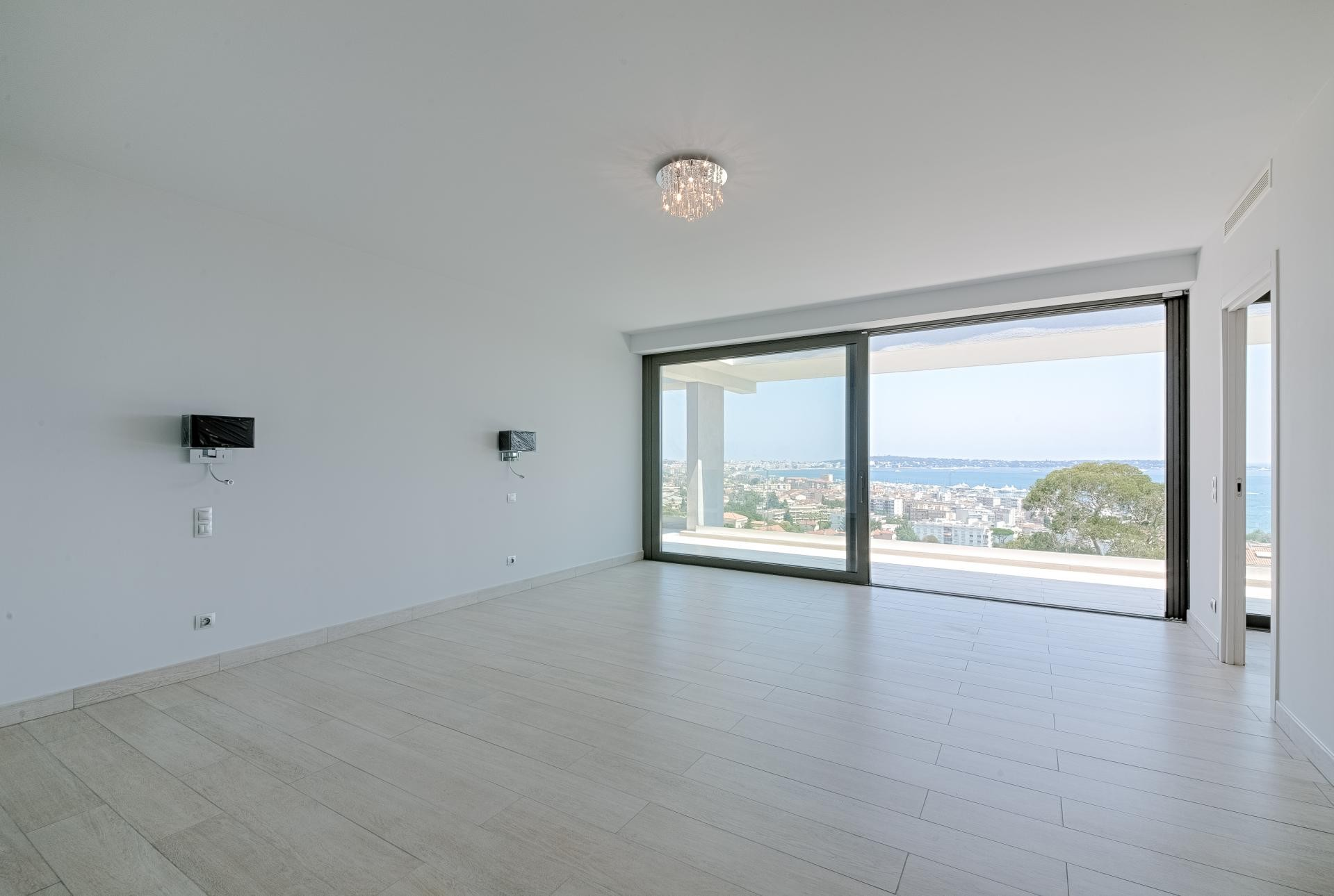 Image 27   7 bedroom house for sale with 0.45 hectares of land, Golfe Juan, Antibes Juan les Pins, French Riviera 197529