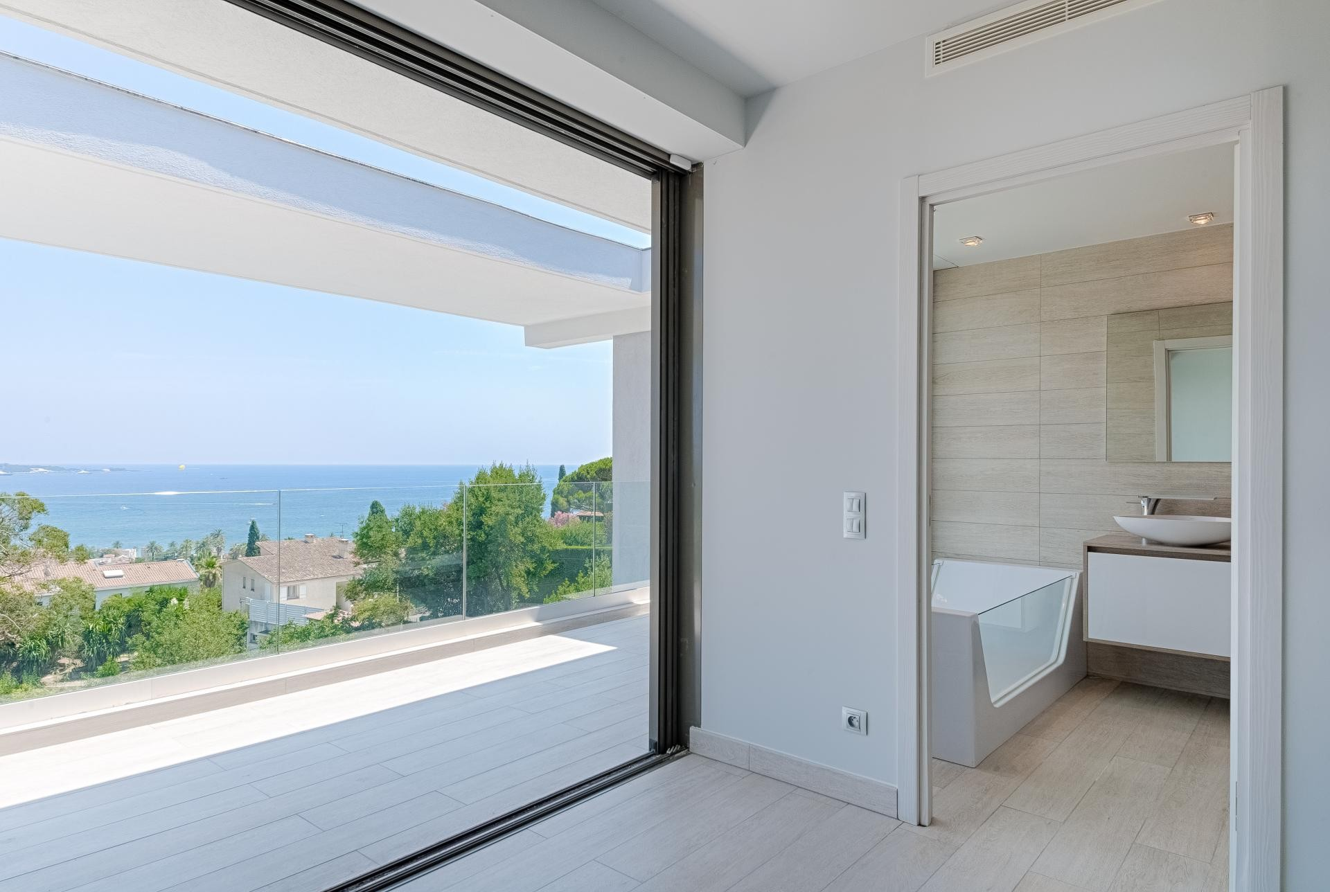 Image 28   7 bedroom house for sale with 0.45 hectares of land, Golfe Juan, Antibes Juan les Pins, French Riviera 197529