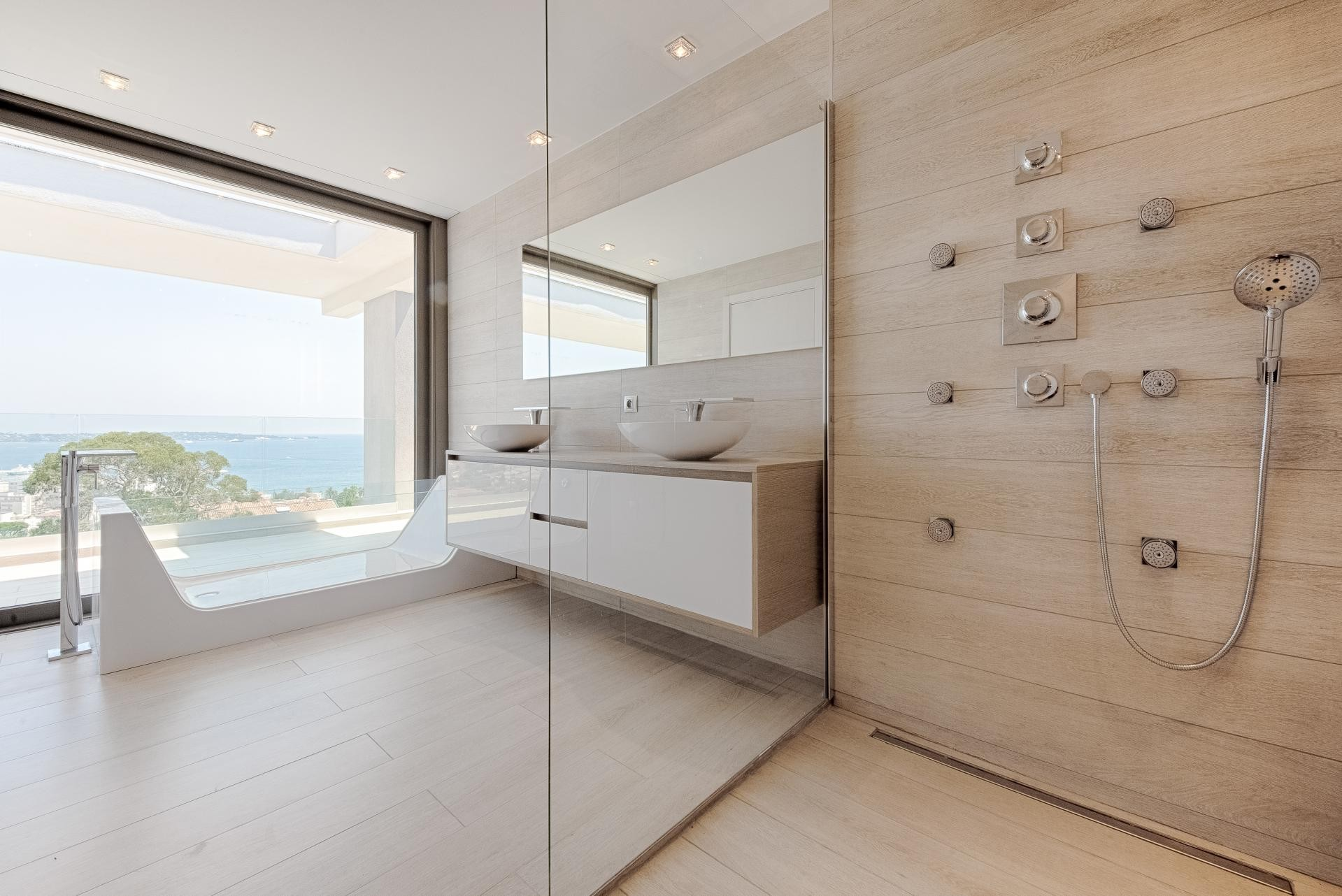 Image 29   7 bedroom house for sale with 0.45 hectares of land, Golfe Juan, Antibes Juan les Pins, French Riviera 197529