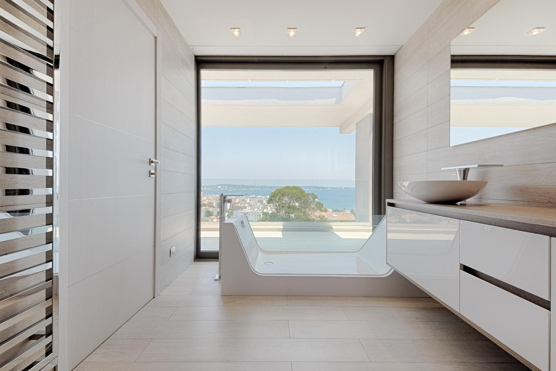 Image 30   7 bedroom house for sale with 0.45 hectares of land, Golfe Juan, Antibes Juan les Pins, French Riviera 197529