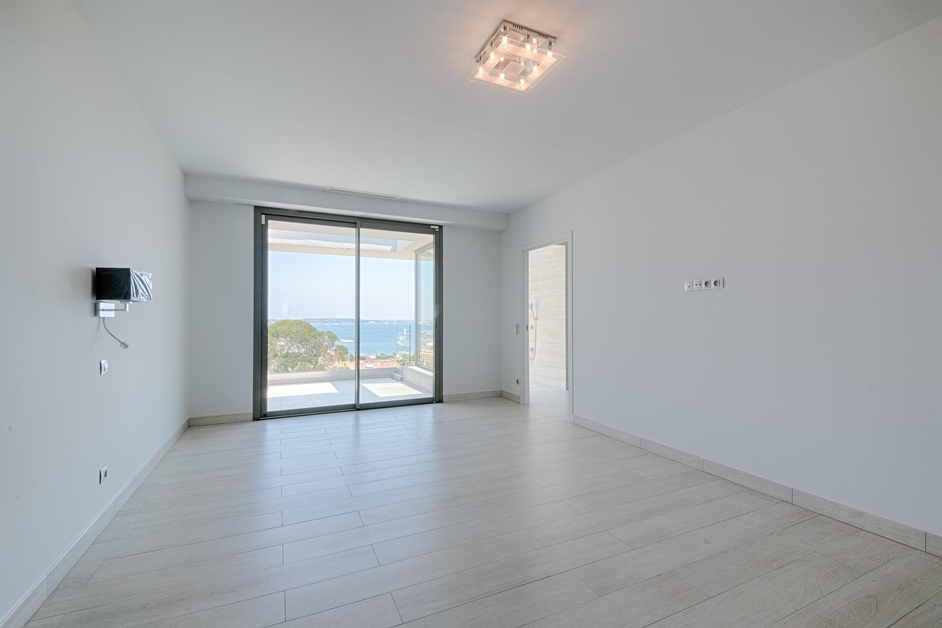 Image 31   7 bedroom house for sale with 0.45 hectares of land, Golfe Juan, Antibes Juan les Pins, French Riviera 197529
