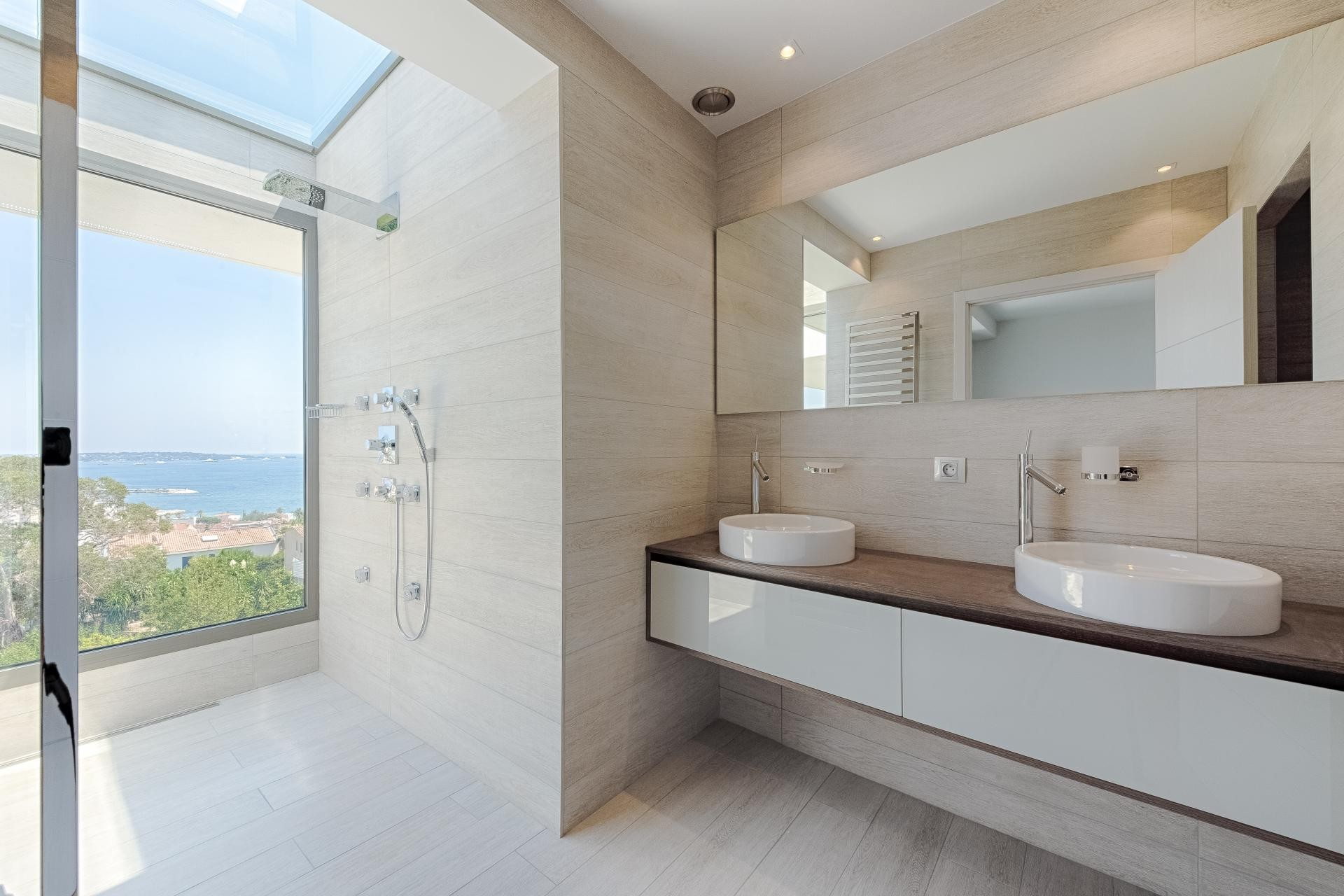 Image 33   7 bedroom house for sale with 0.45 hectares of land, Golfe Juan, Antibes Juan les Pins, French Riviera 197529
