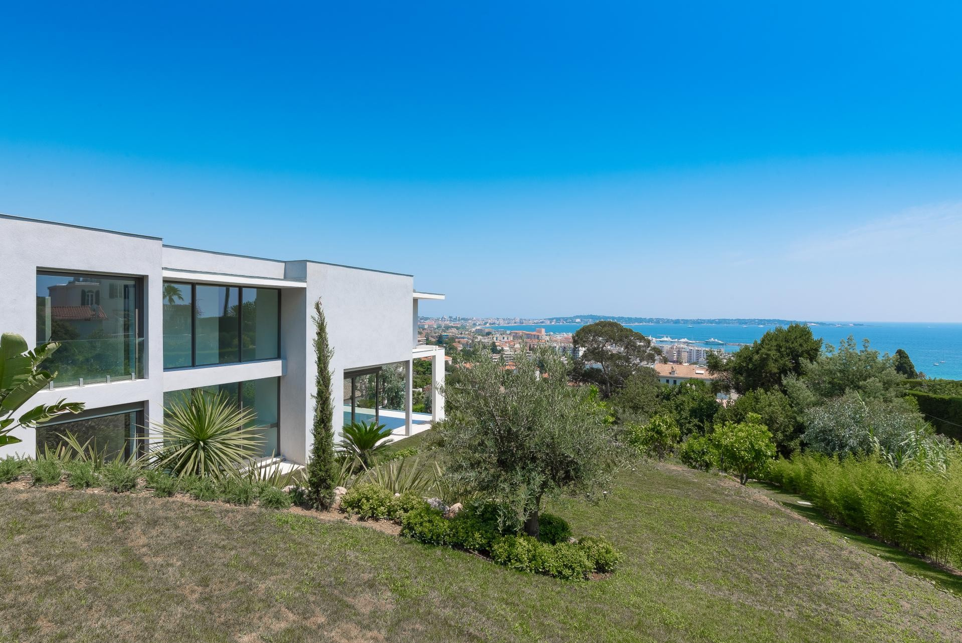 Image 6   7 bedroom house for sale with 0.45 hectares of land, Golfe Juan, Antibes Juan les Pins, French Riviera 197529