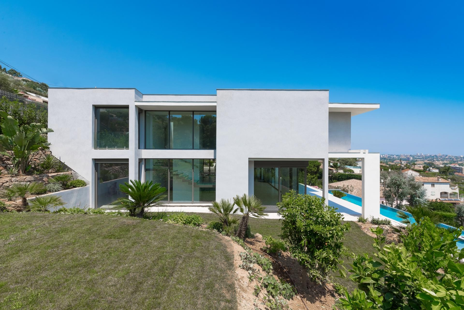 Image 7   7 bedroom house for sale with 0.45 hectares of land, Golfe Juan, Antibes Juan les Pins, French Riviera 197529