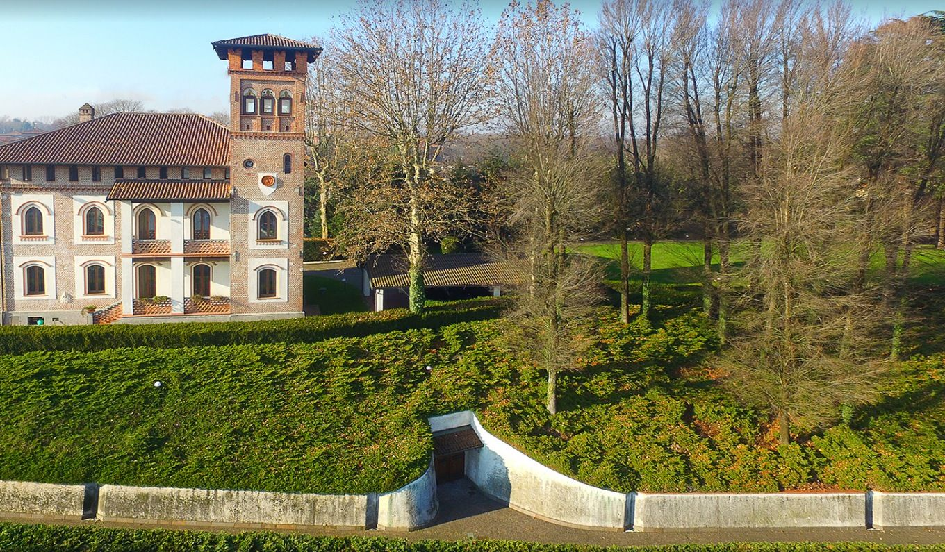 Image 2 | 7 bedroom villa for sale with 19,700m2 of land, Milan, Lombardy 198390