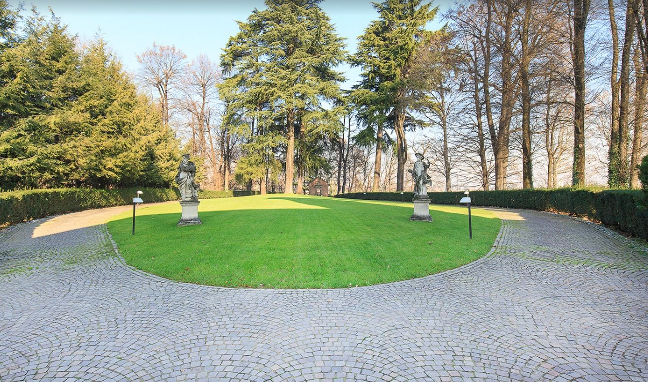 Image 6 | 7 bedroom villa for sale with 19,700m2 of land, Milan, Lombardy 198390