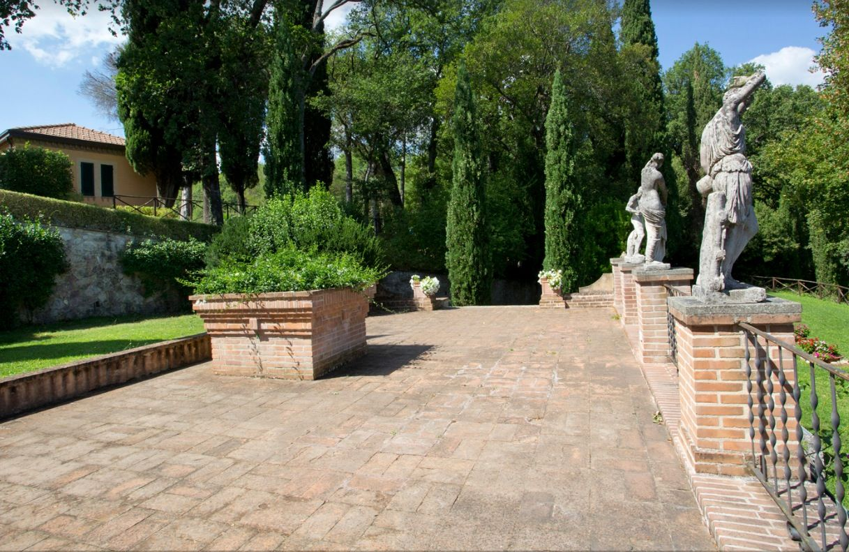 Image 15 | 11 bedroom hotel for sale with 110,000m2 of land, Perugia, Umbria 198762