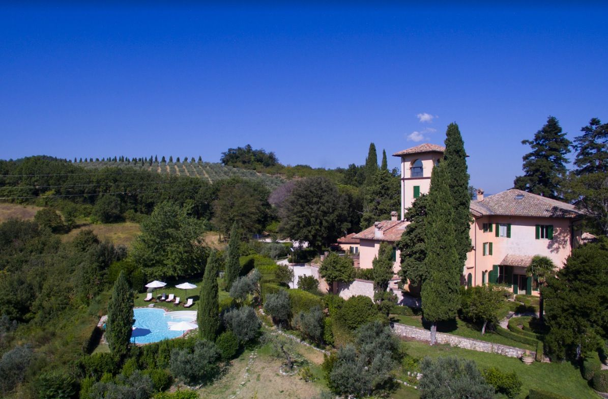 Image 2 | 11 bedroom hotel for sale with 110,000m2 of land, Perugia, Umbria 198762