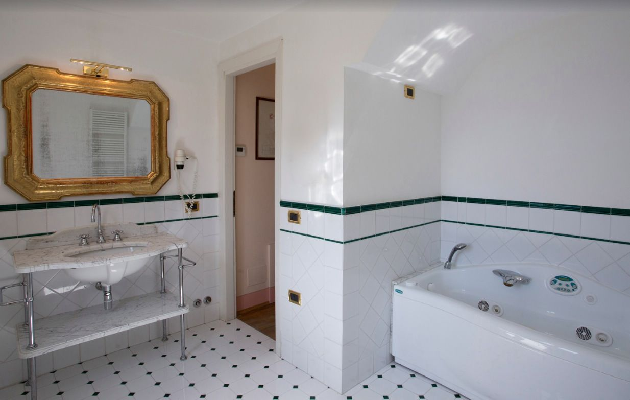 Image 31 | 11 bedroom hotel for sale with 110,000m2 of land, Perugia, Umbria 198762