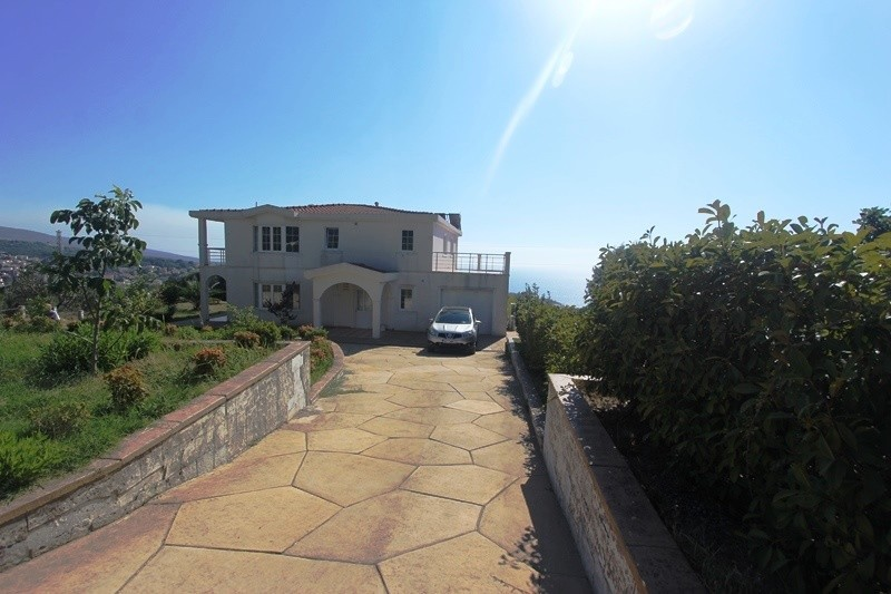 Image 2 | 6 bedroom house for sale with 0.22 hectares of land, Dobra Voda, Bar, Coastal Montenegro 199761