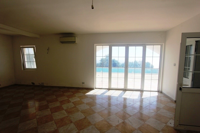 Image 5 | 6 bedroom house for sale with 0.22 hectares of land, Dobra Voda, Bar, Coastal Montenegro 199761