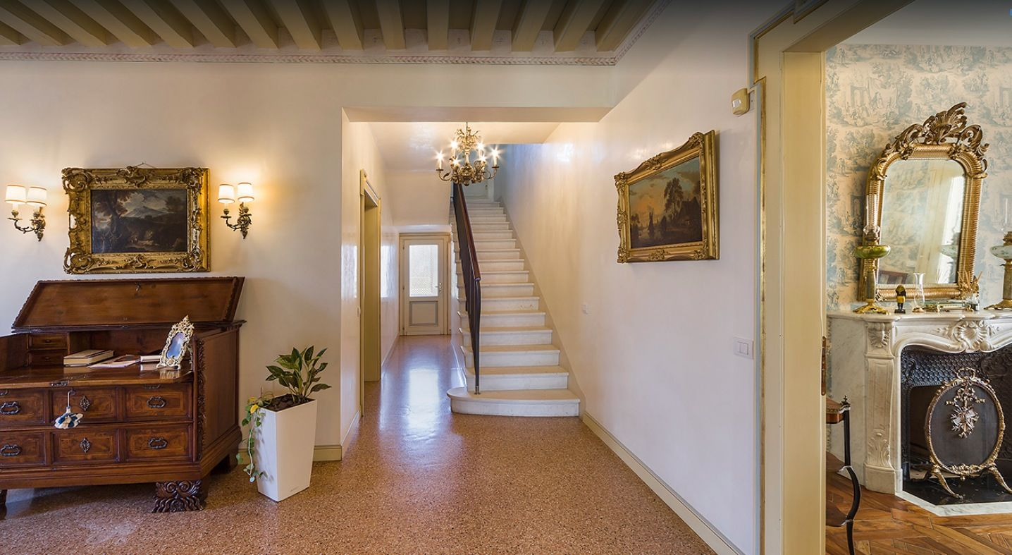 Image 16   7 bedroom villa for sale with 0.75 hectares of land, Treviso, Veneto 199832