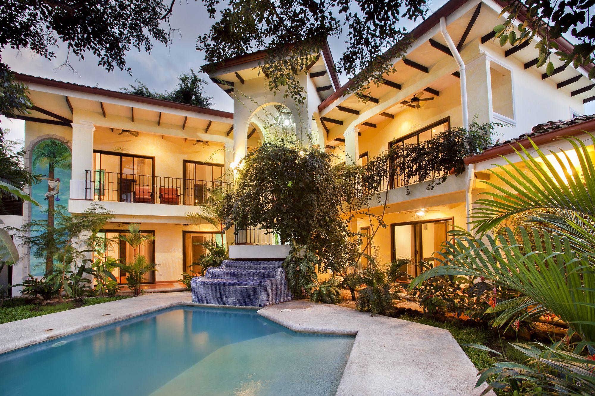 Image 1 | Fabulous hotel, restaurant and villa complex in Costa Rica for sale 200332