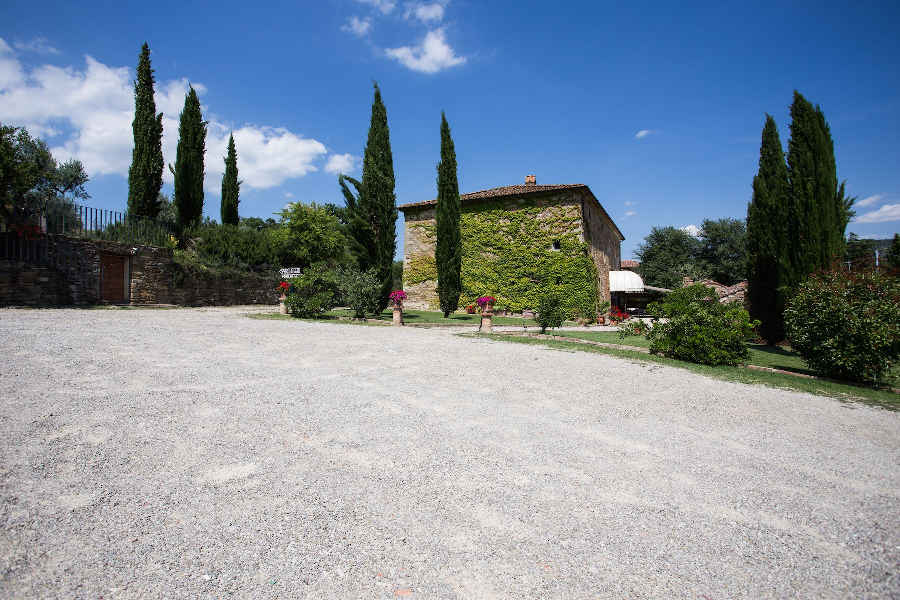 Image 1   13 bedroom villa for sale with 1 hectares of land, Arezzo, Chianti Wine Region 200333