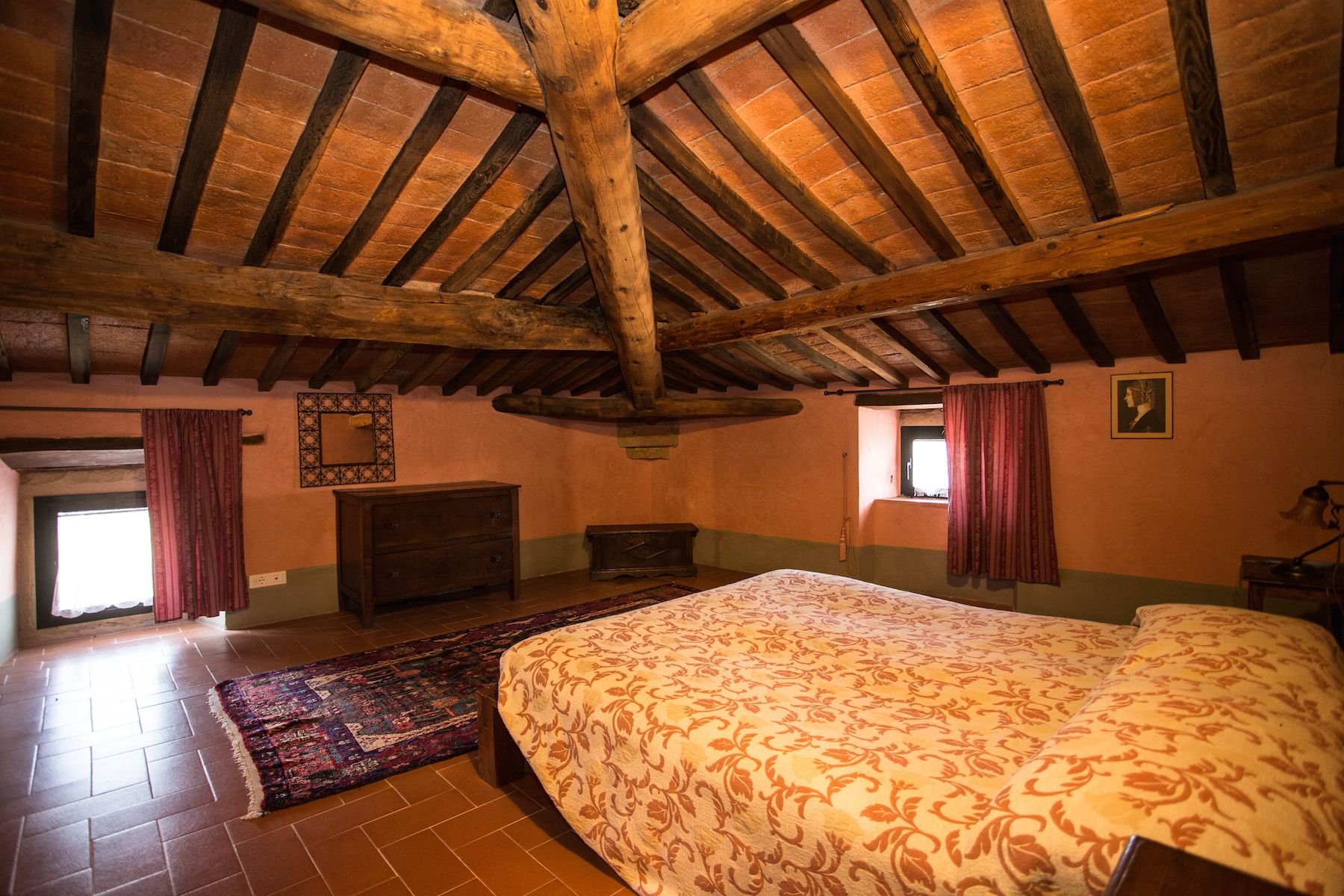 Image 12   13 bedroom villa for sale with 1 hectares of land, Arezzo, Chianti Wine Region 200333