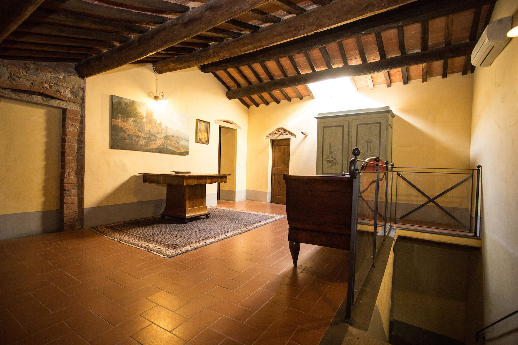 Image 15   13 bedroom villa for sale with 1 hectares of land, Arezzo, Chianti Wine Region 200333