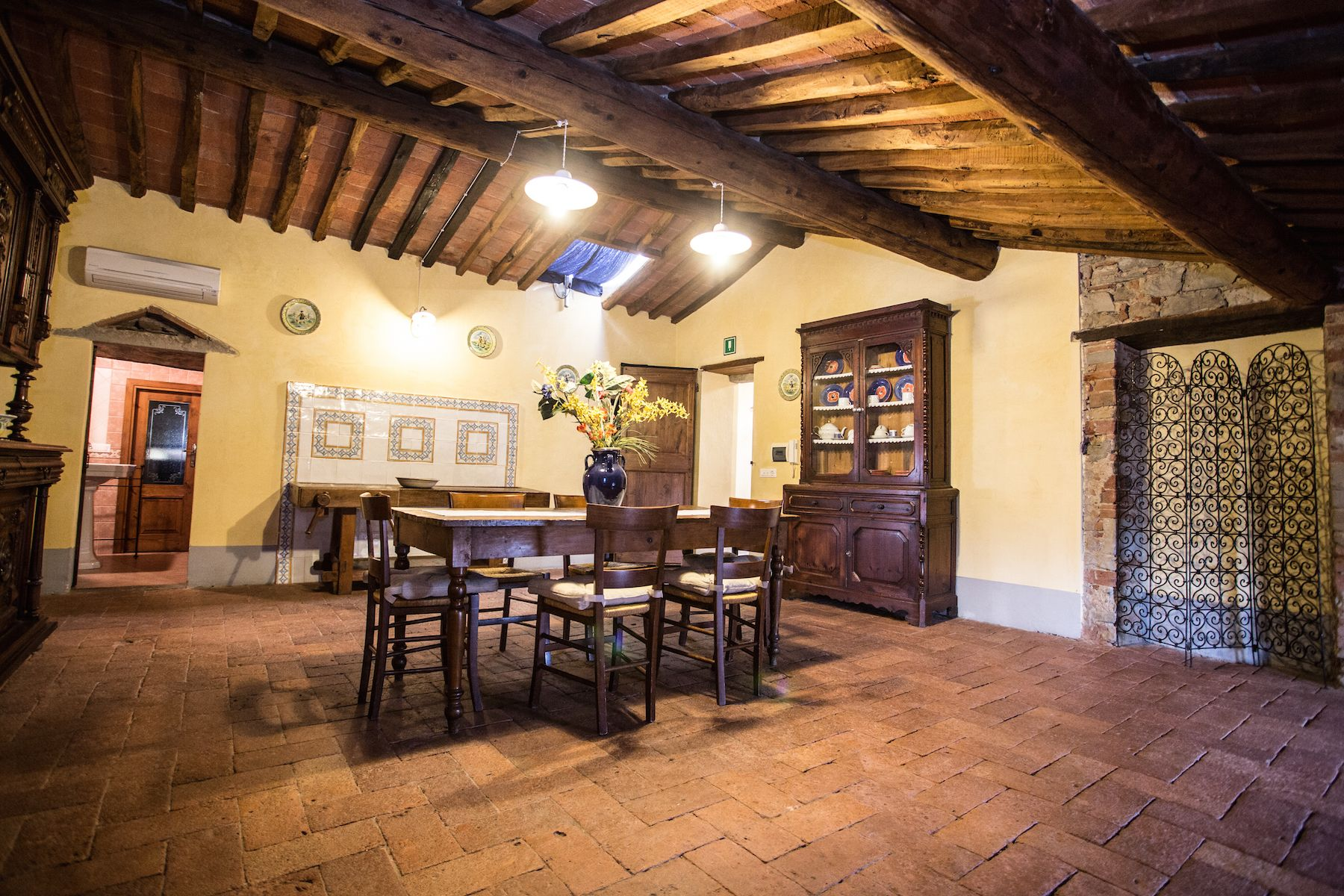 Image 18   13 bedroom villa for sale with 1 hectares of land, Arezzo, Chianti Wine Region 200333