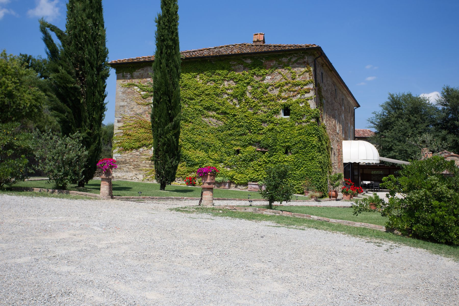 Image 2   13 bedroom villa for sale with 1 hectares of land, Arezzo, Chianti Wine Region 200333