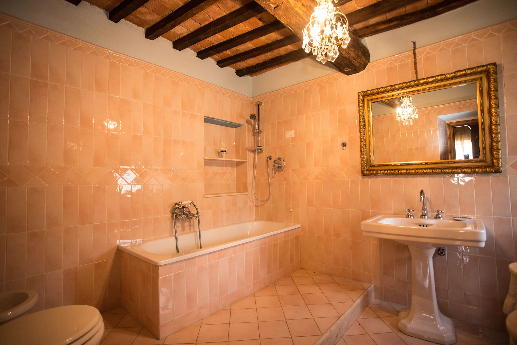 Image 27   13 bedroom villa for sale with 1 hectares of land, Arezzo, Chianti Wine Region 200333