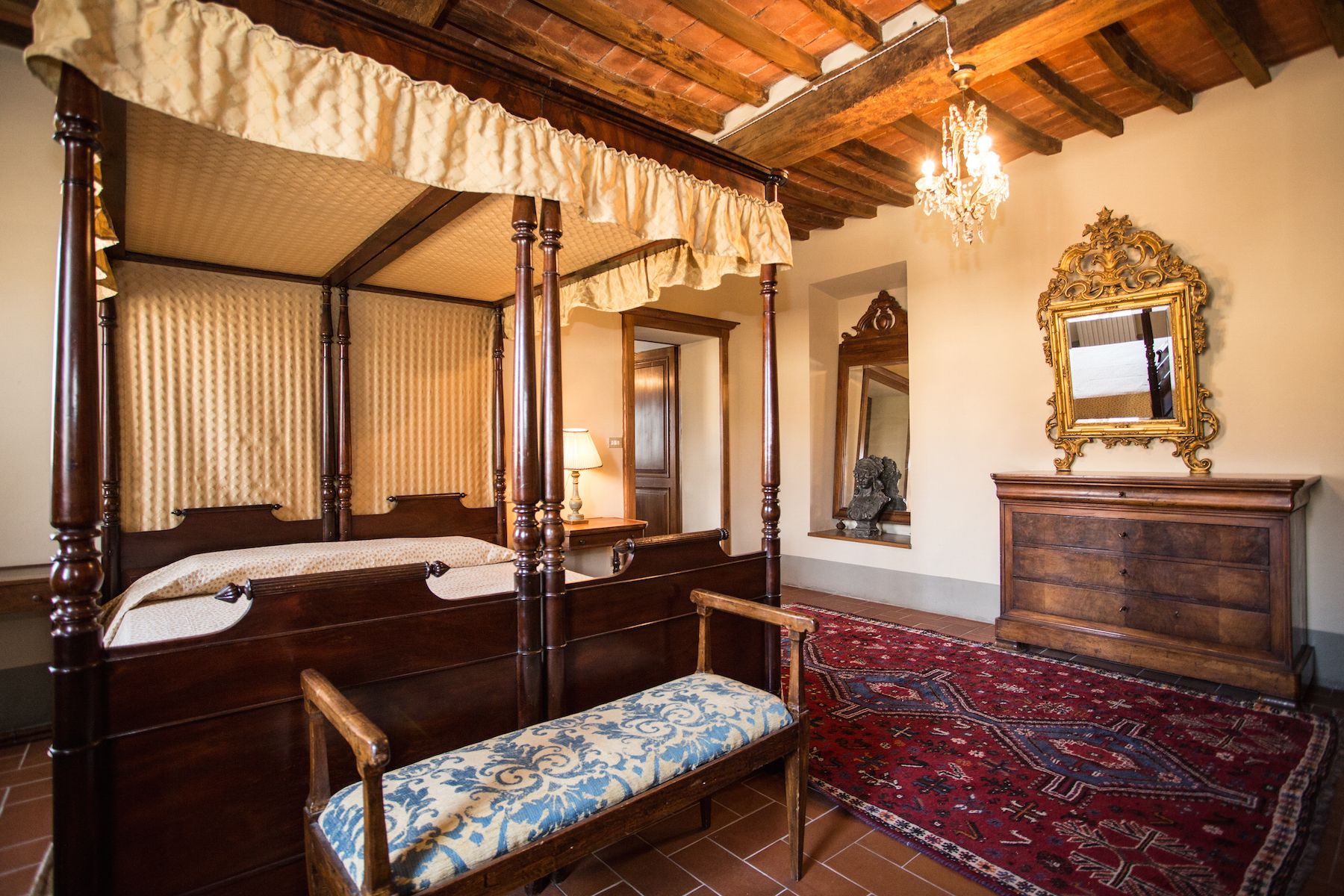 Image 28   13 bedroom villa for sale with 1 hectares of land, Arezzo, Chianti Wine Region 200333
