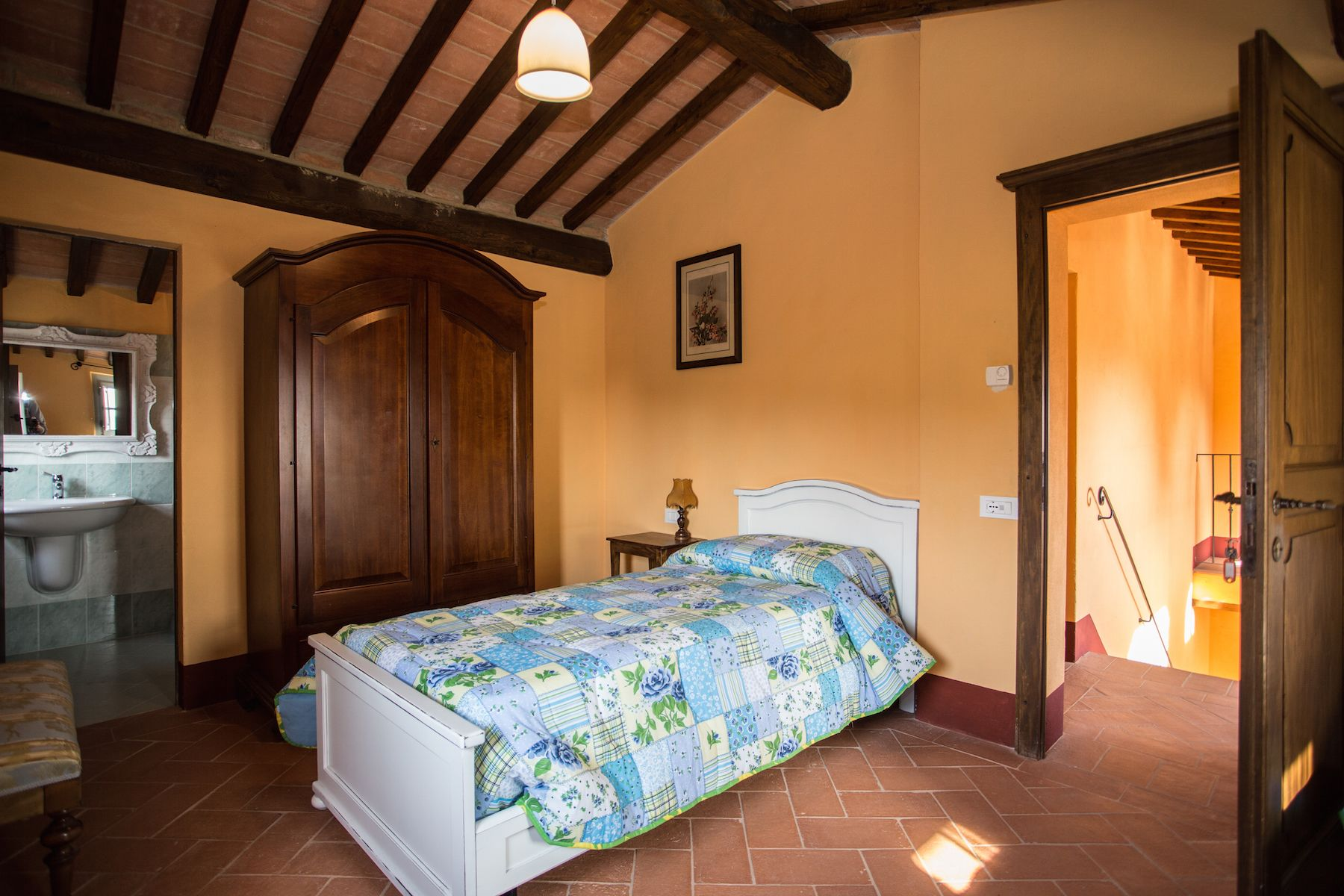 Image 32   13 bedroom villa for sale with 1 hectares of land, Arezzo, Chianti Wine Region 200333