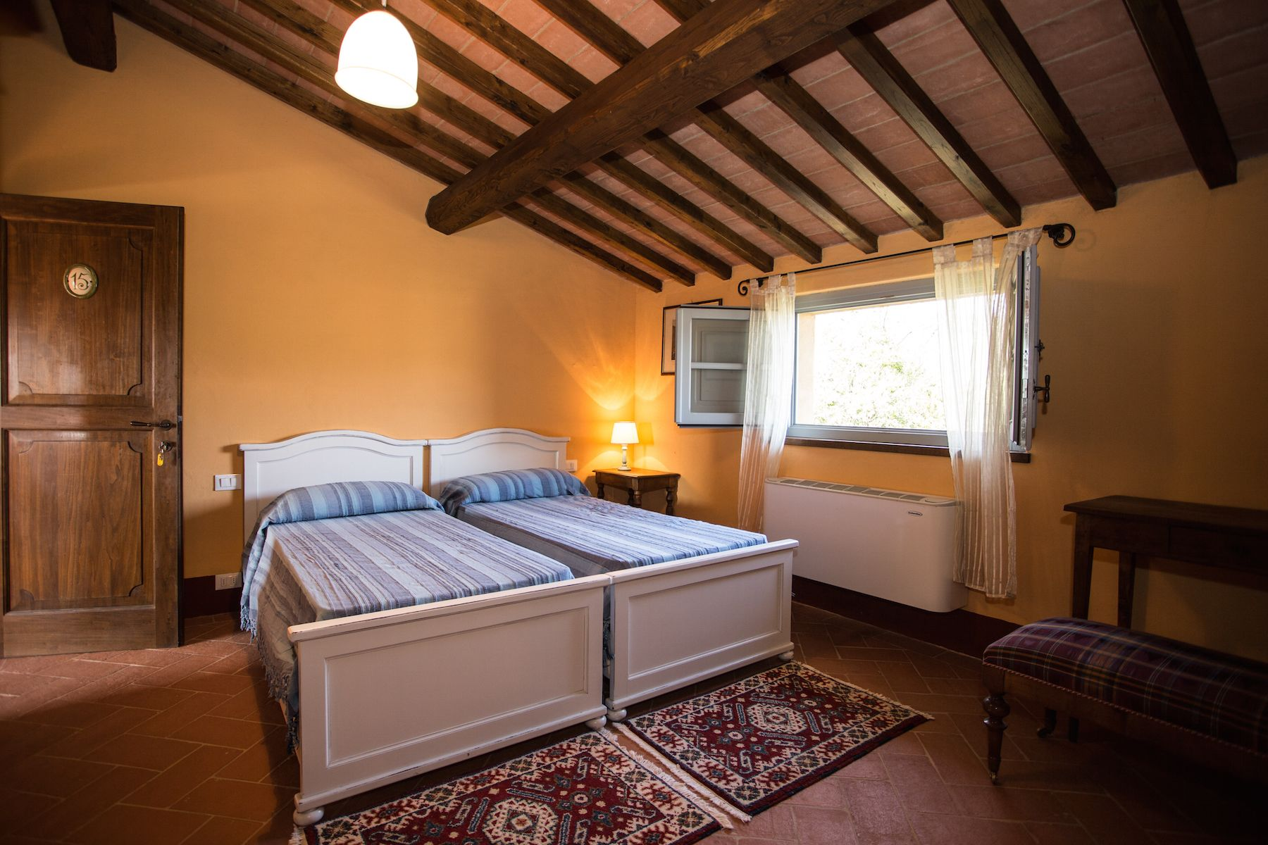 Image 35   13 bedroom villa for sale with 1 hectares of land, Arezzo, Chianti Wine Region 200333