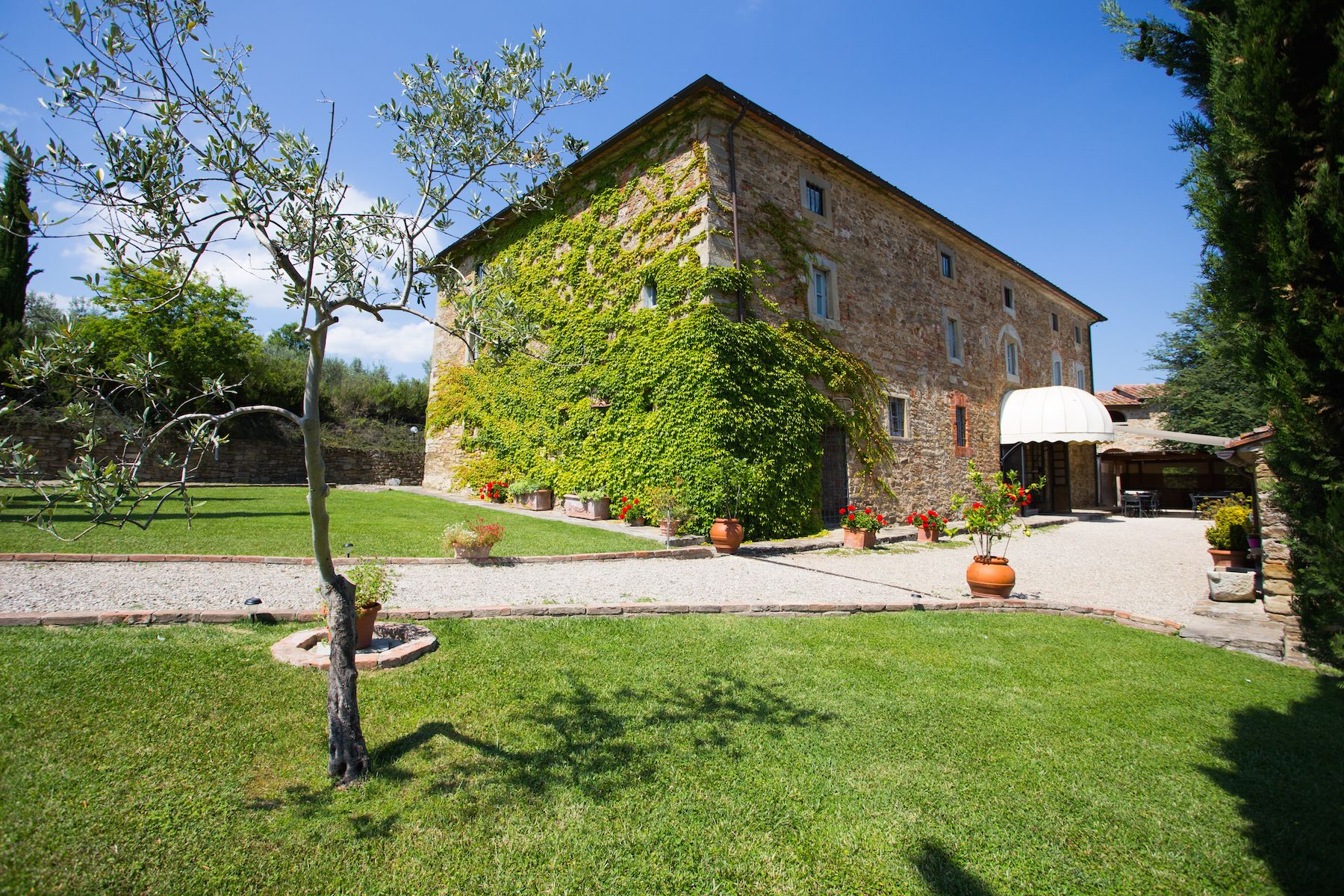 Image 7   13 bedroom villa for sale with 1 hectares of land, Arezzo, Chianti Wine Region 200333