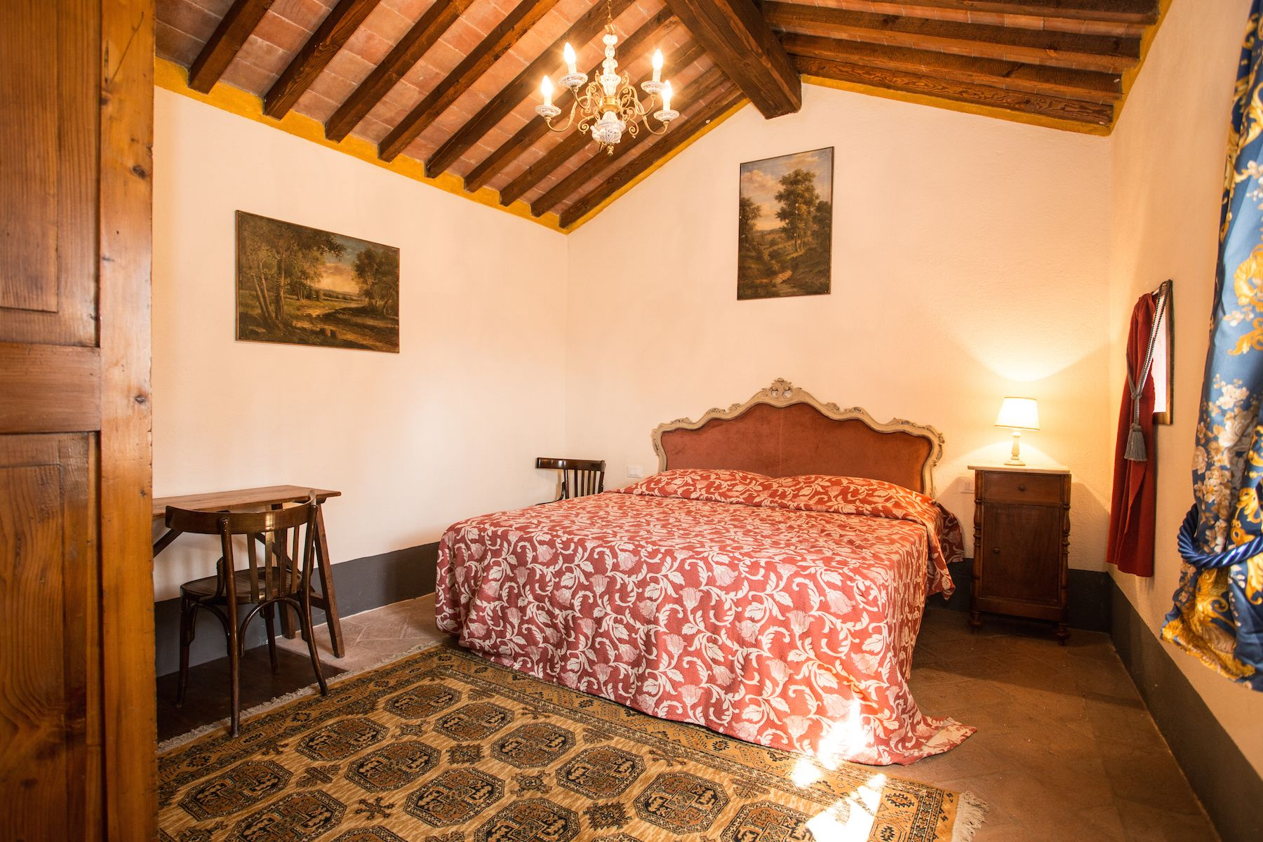 Image 9   13 bedroom villa for sale with 1 hectares of land, Arezzo, Chianti Wine Region 200333