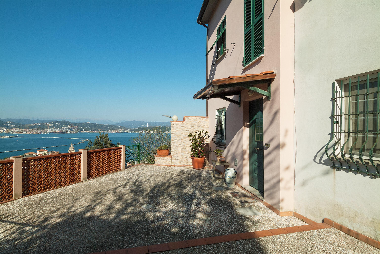 Image 5   3 bedroom villa for sale, Fezzano, La Spezia, Liguria 200383