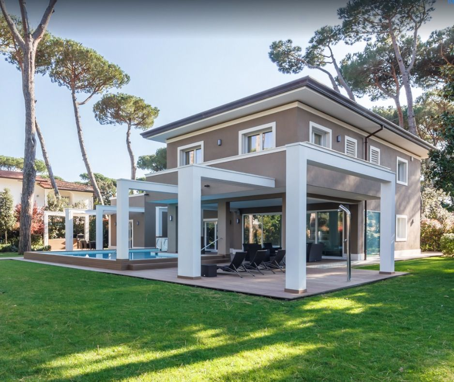 Image 2 | 8 bedroom villa for sale with 1,540m2 of land, Forte dei Marmi, Lucca, Tuscany 200386