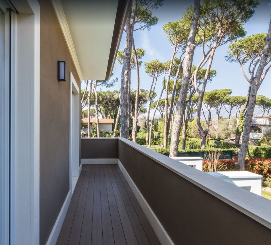 Image 21 | 8 bedroom villa for sale with 1,540m2 of land, Forte dei Marmi, Lucca, Tuscany 200386