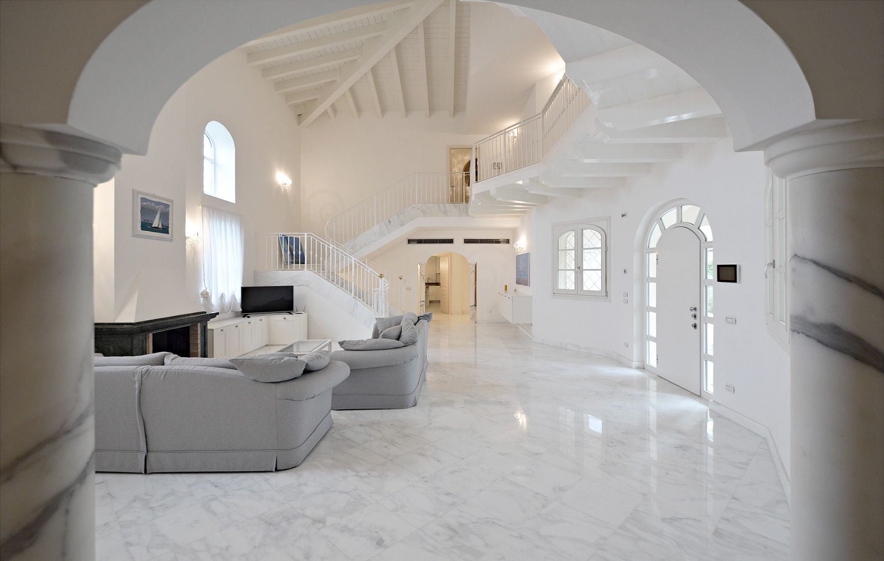 Image 13 | 7 bedroom villa for sale with 1,400m2 of land, Forte dei Marmi, Lucca, Tuscany 200509