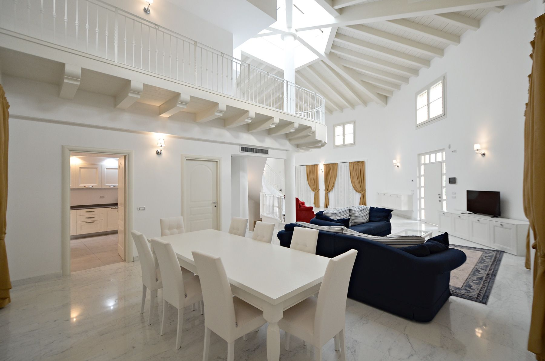 Image 10 | 8 bedroom villa for sale with 1,400m2 of land, Forte dei Marmi, Lucca, Tuscany 200510