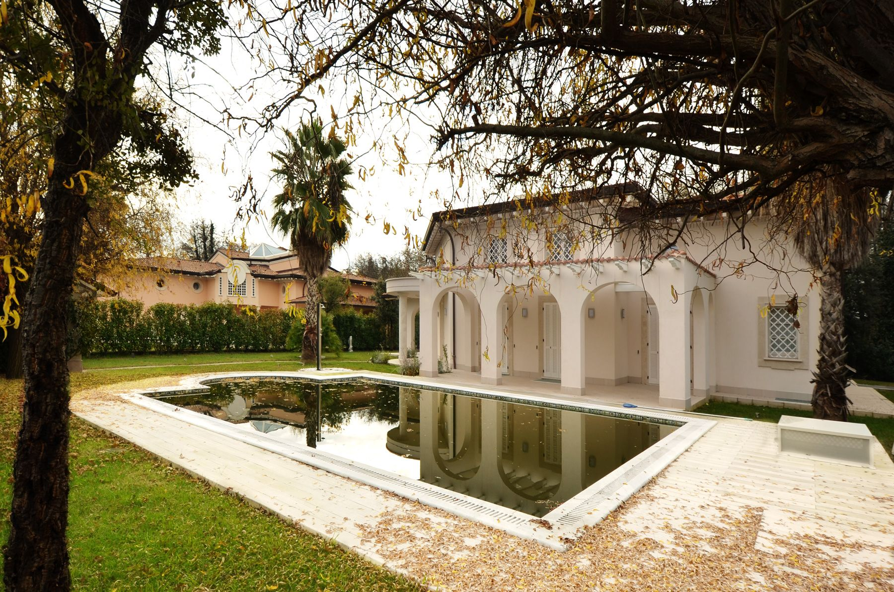 Image 2 | 8 bedroom villa for sale with 1,400m2 of land, Forte dei Marmi, Lucca, Tuscany 200510